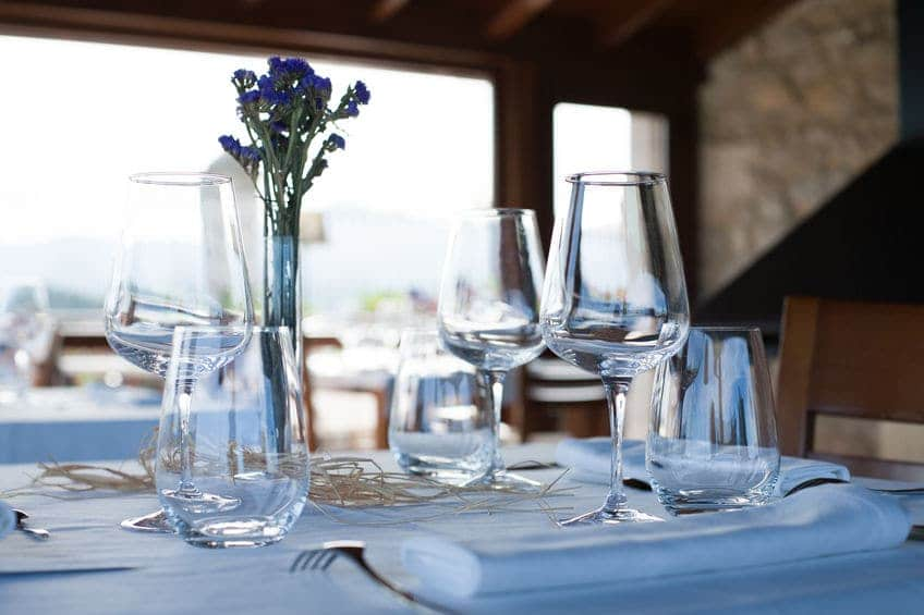 Water van Pineo goed met wijn en ideaal in de horeca