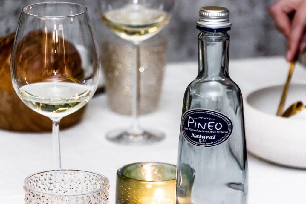 Aigua Pineo més ràpid que el vi, al restaurant Taste Löwen.